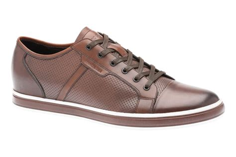 kenneth cole comfort shoes kenneth cole and the walking company partner for men s