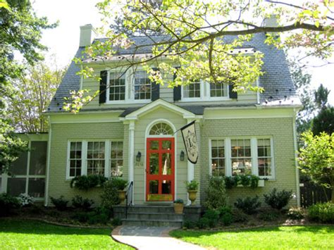 green house red door exterior paint colors on pinterest 27 pins