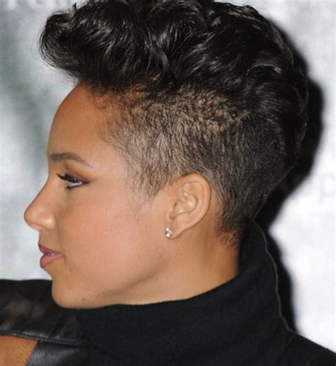 rolling hair styles alicia keys displays new short cut in nyc
