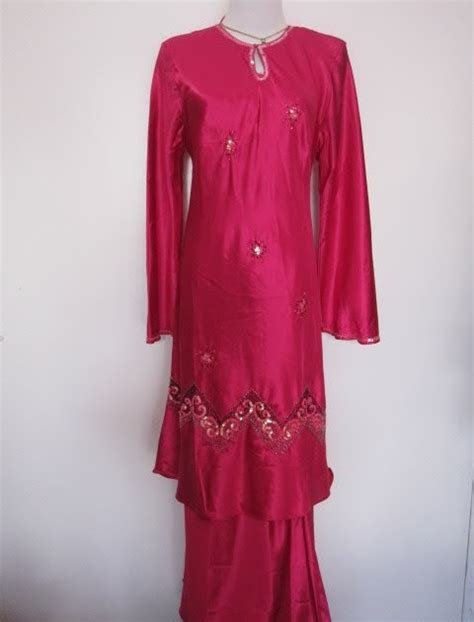 Mimpi Pakai Baju Kebaya Pink mycoltique baju kurung moden satin manik zig zag