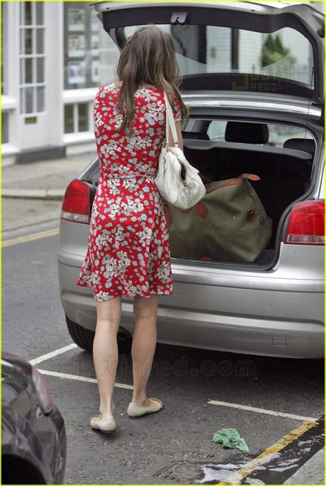 Prince William And Kate Middleton Back On by Sized Photo Of Kate Middleton Big Bag 03 Photo