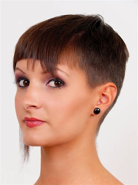 short cuts for normal straight hair a short brown hairstyle from the short cuts collection no