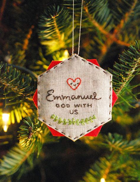 easy embroidered diy christmas ornament favecrafts com