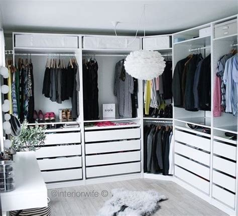 Decorated Wardrobes - 14 inspirational ideas for decorating walk in closet