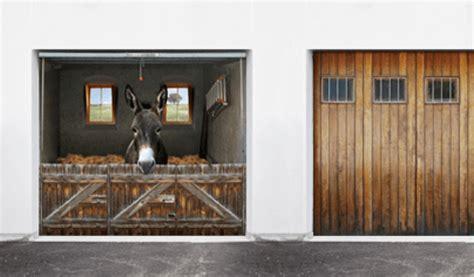 folien für fliesen garagentor renovieren neuer anstrich folie oder