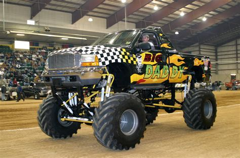 videos de monster truck monster truck wallpapers hd download