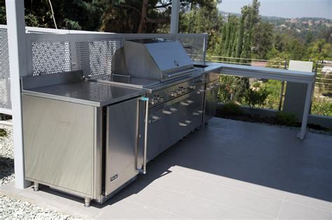 Stainless Steel Outdoor Kitchen With Grill Cover Compact