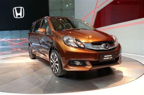 Tv Mobil Honda Mobilio harga dan spesifikasi honda mobilio rs 2015 detailmobil