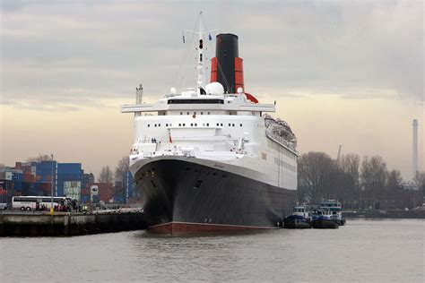 cunard queen elizabeth 2 ship position qe2 news cunard s queen elizabeth to journey to abu dhabi