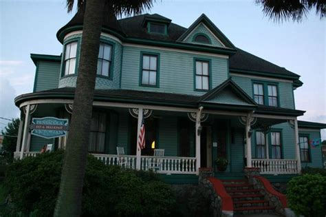pensacola victorian bed and breakfast on the front porch looking north east picture of