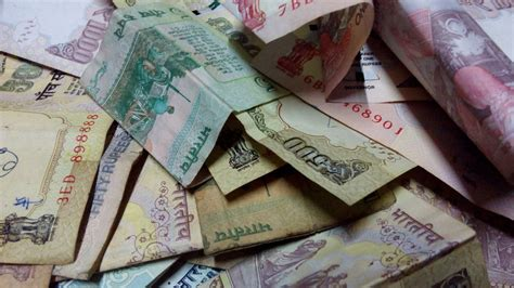 usd to inr indian rupee to gain vs rising us dollar