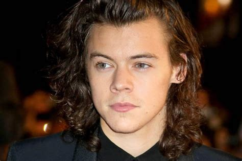 21 years old hairstyles one direction star harry styles is expanding his art