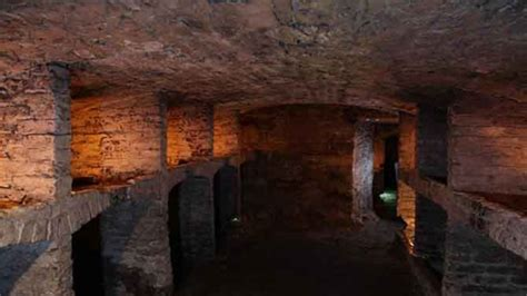 underground vaults historical walking tour edinburgh s historic vaults walking tour visitbritain au