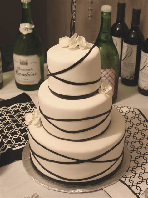 Simple Wedding Cake Decorating Ideas by Baked To Perfection Rolled Fondant Cakes Fondant Cake Images