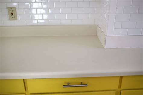 how to redo your laminate countertops for less than 100