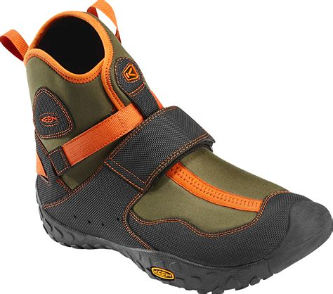 best shoes for kayaking best water shoes for kayaking select your shoes