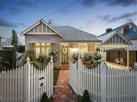 renovate weatherboard house i love this weatherboard house it s so inviting love