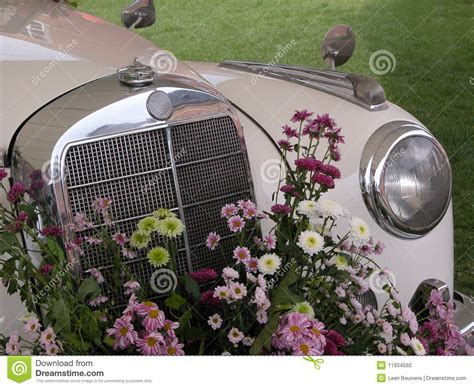 Wedding Car Bouquet by Front Of Wedding Car Bouquet Stock Photo Image 11934560