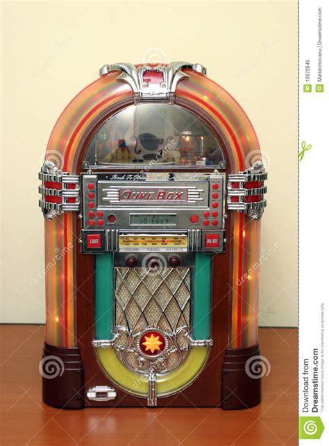 mil anuncioscom anuncios de maquina discos antigua juke box image libre de droits image 10672046
