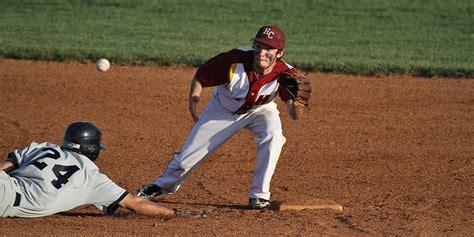 Hutch Cc Baseball larks top hutch again improve to 17 8 hesston college