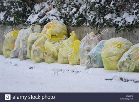 wann werden gelbe säcke abgeholt kunststoffe dosen und polystyrol werden in