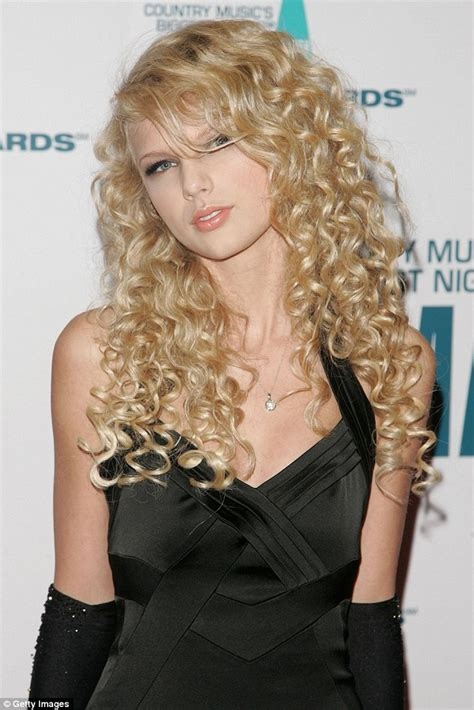 how does rena in nashvile curl her hair taylor swift s fans take to twitter after she s spotted