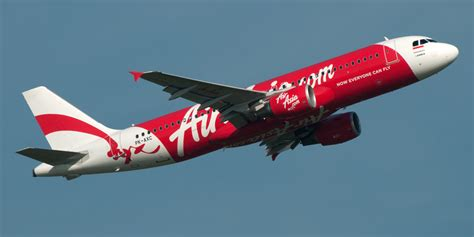 airasia plane airasia flight from indonesia to singapore loses contact
