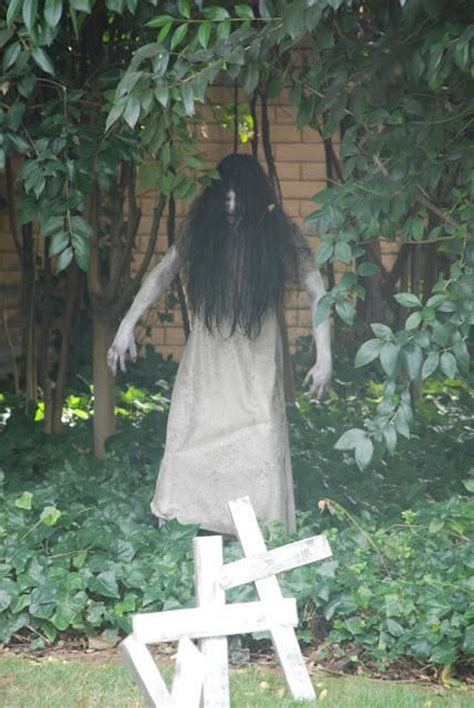 scary decorations to make at home scary outdoor decoration