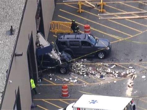 car crash 3 dead 6 remain hospitalized from apparent car