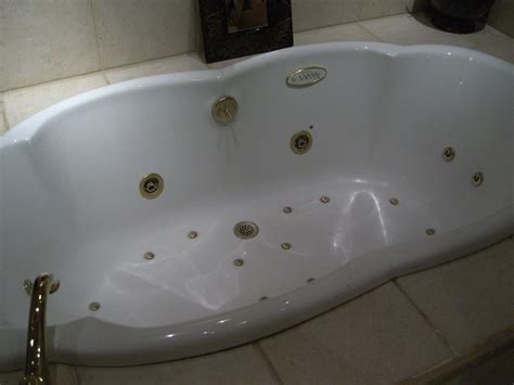 bathtubs with jets jetted clawfoot tub peugen net