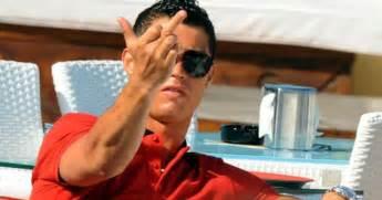 Cristiano Ronaldo Doigt D Honneur Vid 233 O Melty