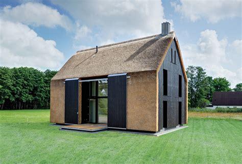 haus mit veranda neubau neubau scheunentrio modern haus fassade other