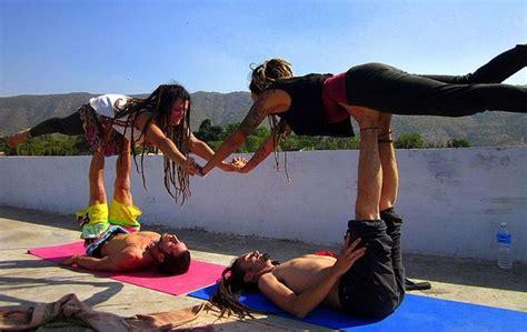 imagenes de yoga acrobatico acroyoga la combinaci 243 n perfecta entre yoga y la