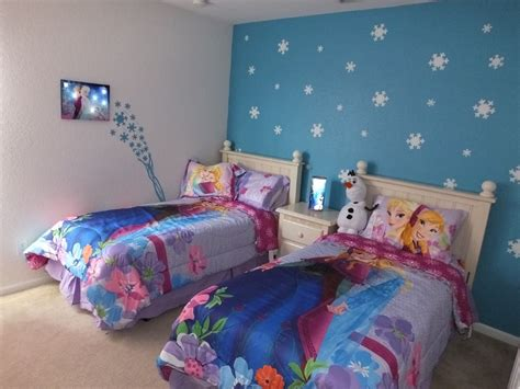 Frozen Bedroom Decor by Frozen Bedroom Accent Wall Rooms