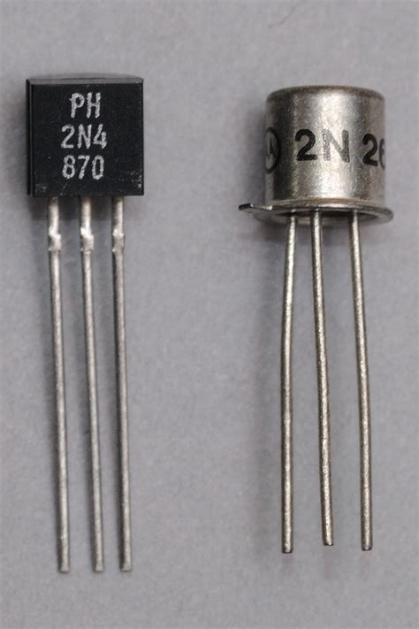 gambar transistor file unijunction transistors jpg wikimedia commons