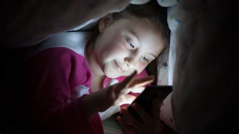 cell phones prevent sleep say night night to the blue light phones need bed mode to protect sleep bbc news