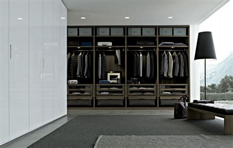 modern closet senzafine extremely walk in closet system by poliform digsdigs