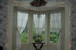 How To Decorate Windows With Curtains Budujeurzadzam Pl Dekoracje Okienne Www Morguefile Com