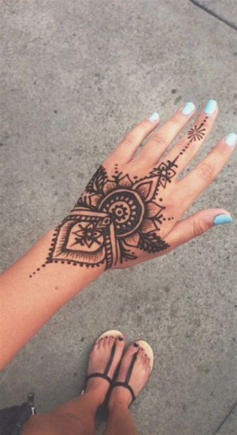 henna tattoos jena 60 simple henna designs to try at least once
