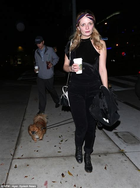 Mischa Barton Goes It Or It by Mischa Barton Goes On Evening Coffee Run With Pal Daily