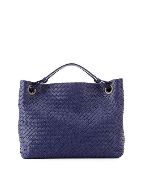 bottega veneta intrecciato medium shoulder bag in blue lyst