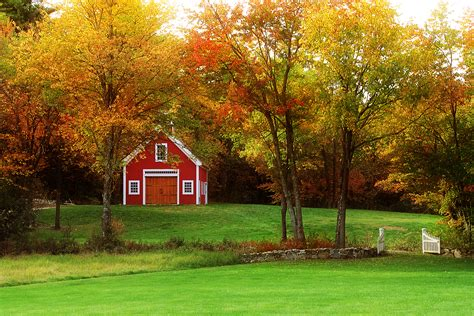 Fall Farmhouse Wallpaper Fall Barn Desktop Wallpaper Wallpapersafari