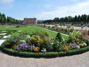schloss garten barock und landschaftsgarten schwetzingen schlosspark