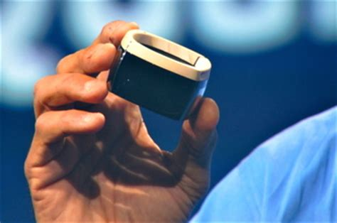 A Pickpockets Wearable Laptop From Intel by Intel S New Quark Chips Target Wearable Computing