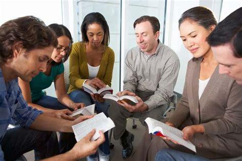 imagenes de mujeres reunidas orando el prop 243 sito del discipulador convertir disc 237 pulos en