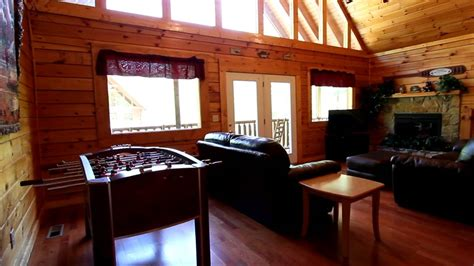 5 bedroom cabins in pigeon forge tn quot a mountain lodge quot 5 bedroom cabin rental in pigeon forge tn with pool access cabins usa 2014