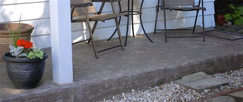 how to revive a concrete patio with stain pit