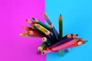 fournitures de bureau crayons fournitures de bureau