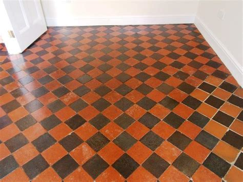 Restoring a Victorian Tiled Floor   Cleaning and