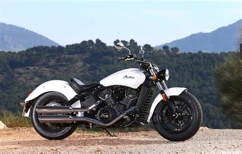 Indian Moto Scout Sixty by Indian Scout Sixty Le Custom Facile Moto Magazine